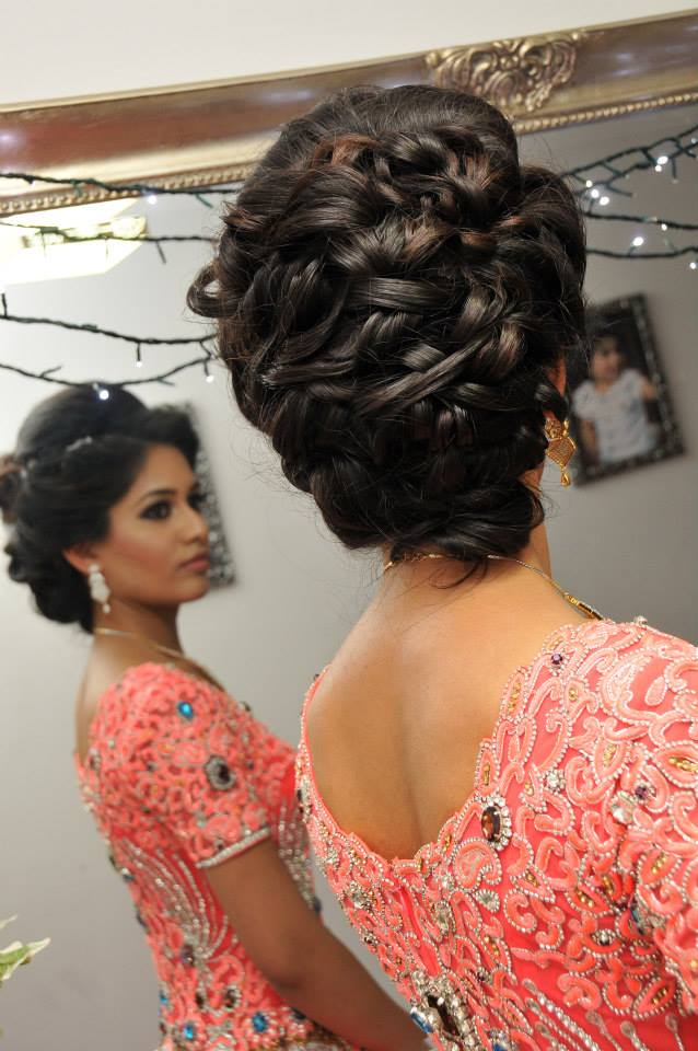 Vietnamese updo wedding hairstyles