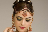 messy-curls-indian-bridal-hairstyle-east-london-essex