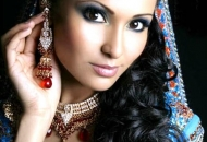 tight-curls-indian-bridal-hairstyle-east-london-essex