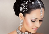 high-bun-indian-bridal-hairstyle-east-london-essex
