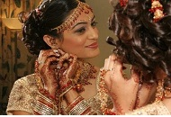 traditional asian bride getting ready east london essex