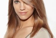 blunt-mid-lenght-haircut-side-fringe-caramel-hair