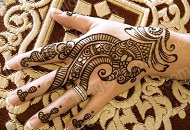 Simple Henna-Mehndi Design Pattern on hand