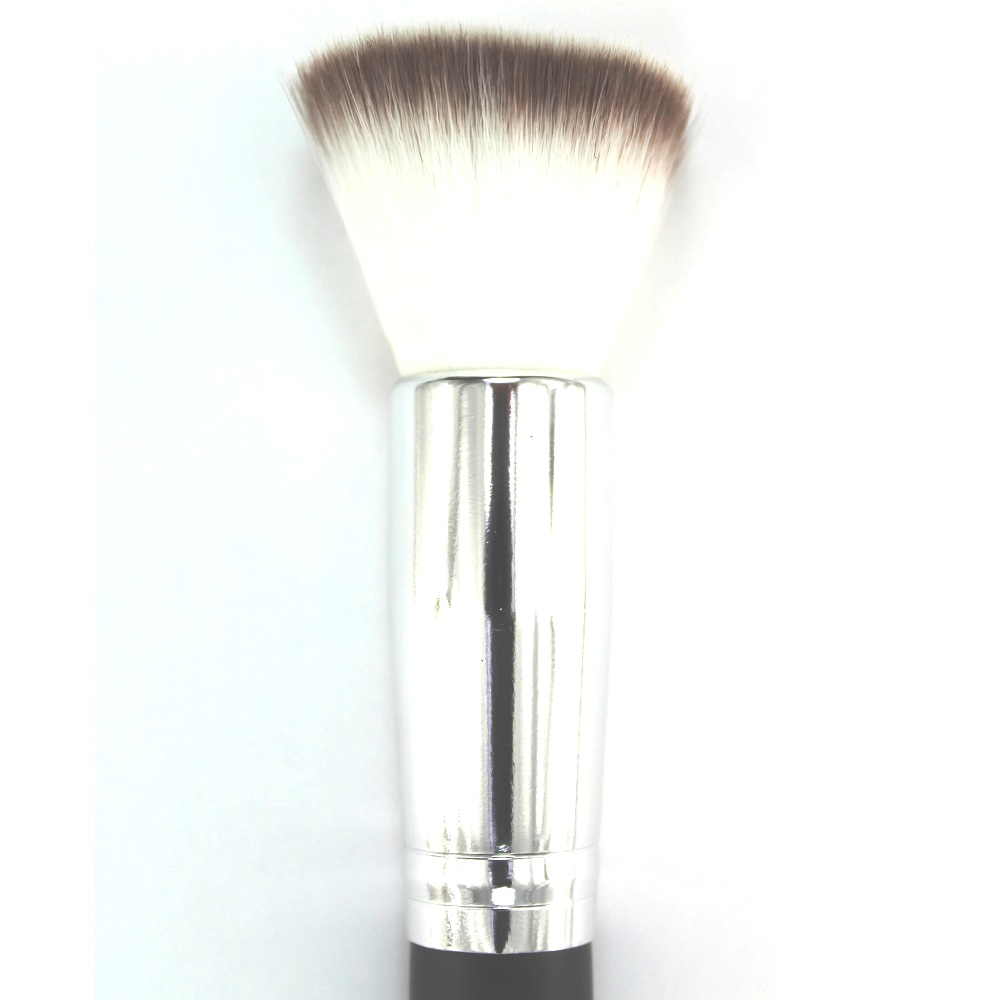 2-flat top foundation brush -2