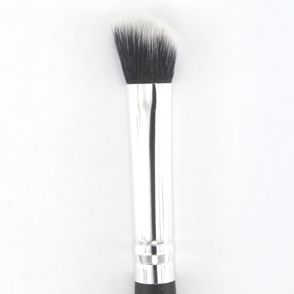 7-angled concelear brush-2